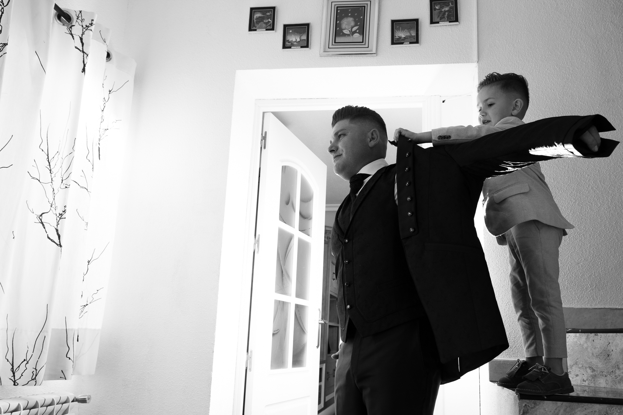 vistiendo de novio a papa